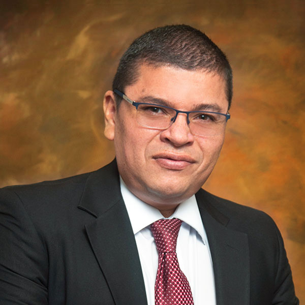 Lic. Marco Vargas Siles